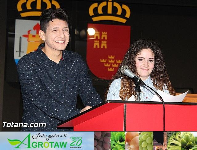 """Diplomas X promoción Bachillerato Internacional IES """"Juan de la Cierva"""" - 1"""