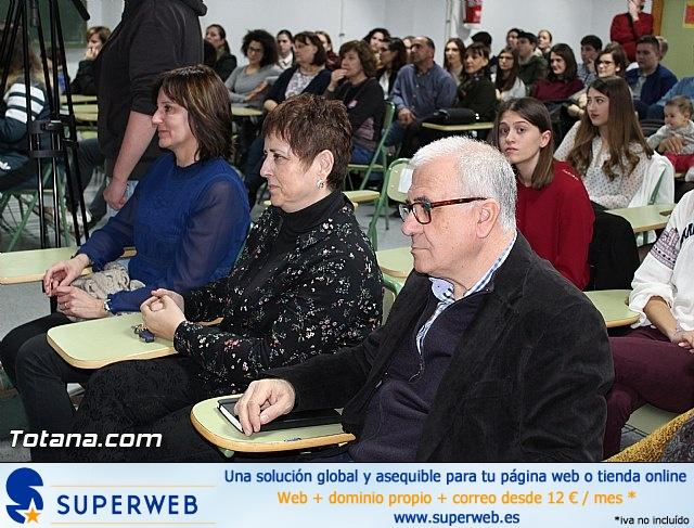 """Diplomas X promoción Bachillerato Internacional IES """"Juan de la Cierva"""" - 6"""