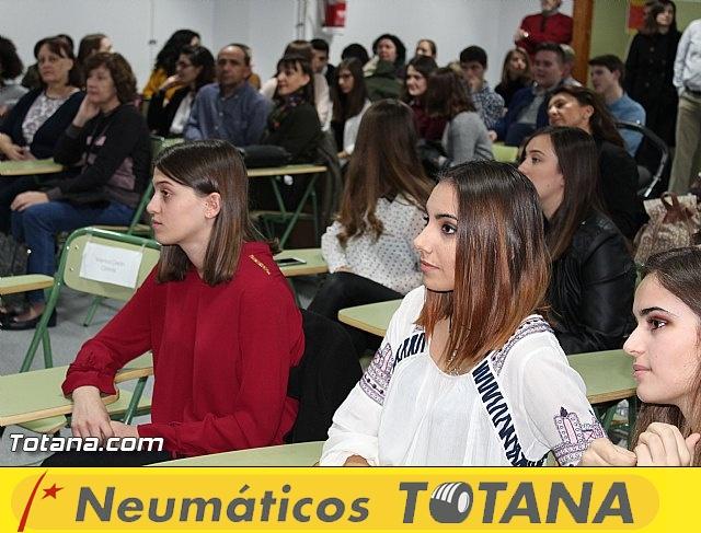 """Diplomas X promoción Bachillerato Internacional IES """"Juan de la Cierva"""" - 8"""