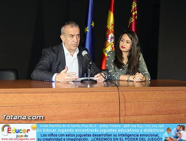 """Diplomas X promoción Bachillerato Internacional IES """"Juan de la Cierva"""" - 13"""