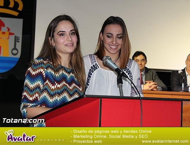 """Diplomas X promoción Bachillerato Internacional IES """"Juan de la Cierva"""" - 19"""