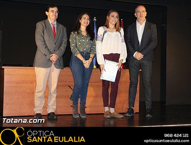 """Diplomas X promoción Bachillerato Internacional IES """"Juan de la Cierva"""" - 24"""