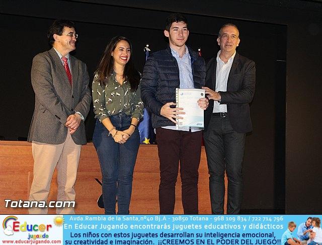 """Diplomas X promoción Bachillerato Internacional IES """"Juan de la Cierva"""" - 25"""