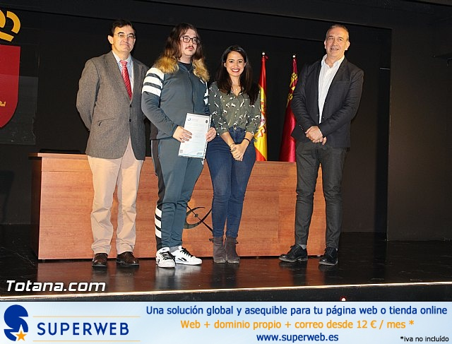 """Diplomas X promoción Bachillerato Internacional IES """"Juan de la Cierva"""" - 26"""