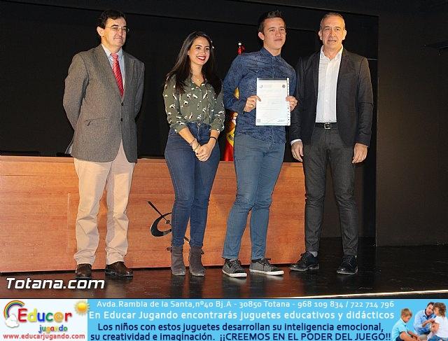 """Diplomas X promoción Bachillerato Internacional IES """"Juan de la Cierva"""" - 27"""