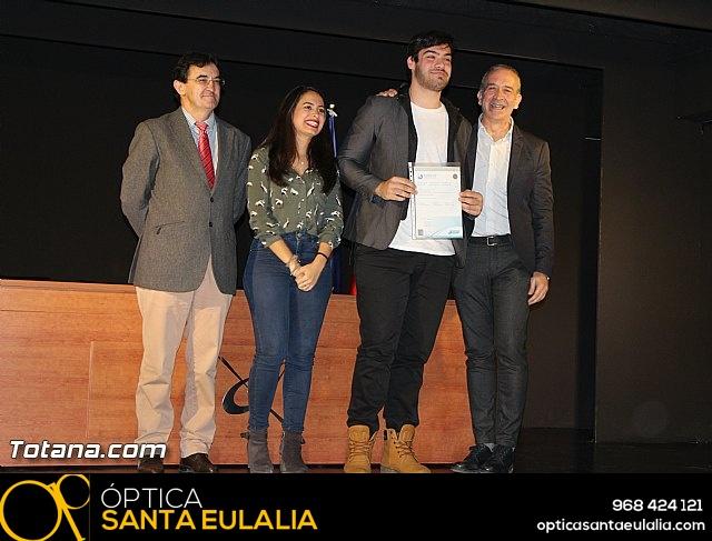 """Diplomas X promoción Bachillerato Internacional IES """"Juan de la Cierva"""" - 31"""