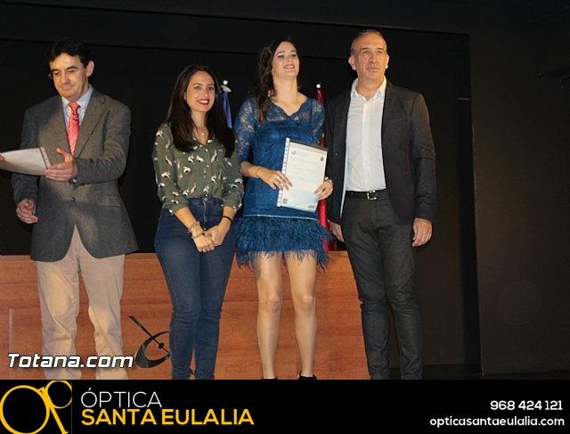 """Diplomas X promoción Bachillerato Internacional IES """"Juan de la Cierva"""" - 32"""