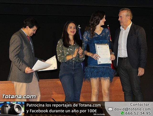 """Diplomas X promoción Bachillerato Internacional IES """"Juan de la Cierva"""" - 33"""