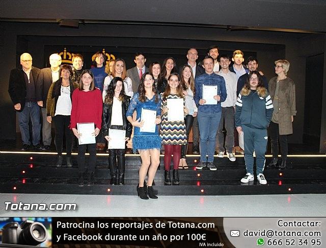 """Diplomas X promoción Bachillerato Internacional IES """"Juan de la Cierva"""" - 37"""
