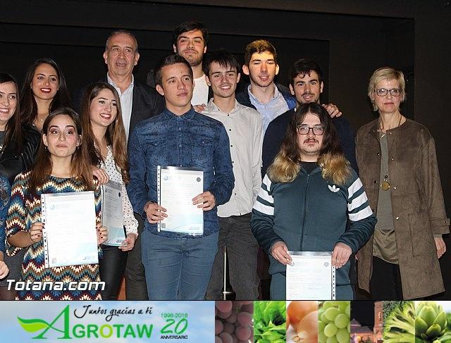 """Diplomas X promoción Bachillerato Internacional IES """"Juan de la Cierva"""" - 40"""