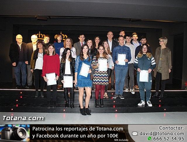 """Diplomas X promoción Bachillerato Internacional IES """"Juan de la Cierva"""" - 41"""