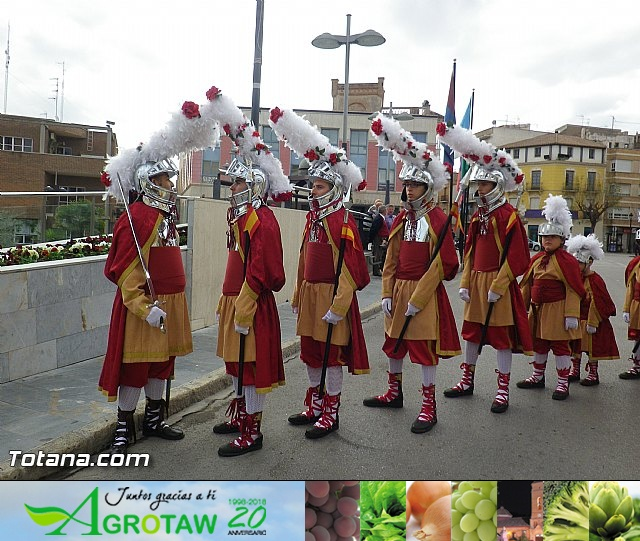 Entrega de la bandera a Los Armaos. Totana 2012 - 14