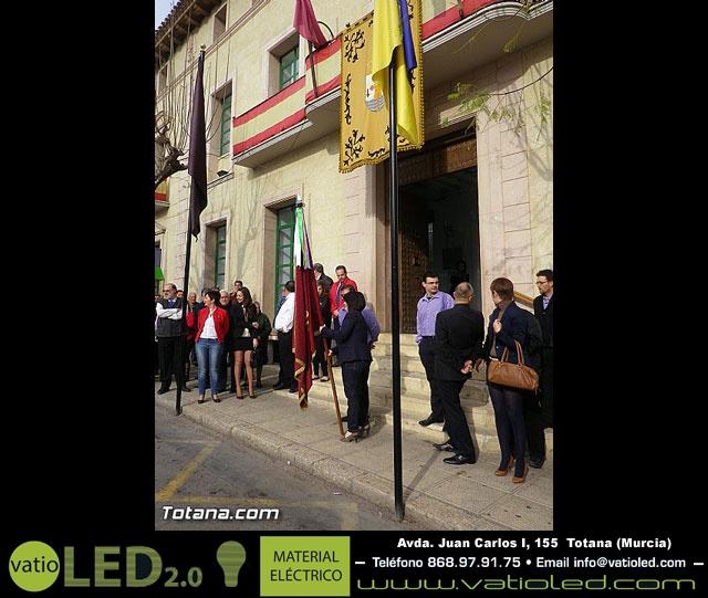 Entrega de la bandera a Los Armaos. Totana 2012 - 18