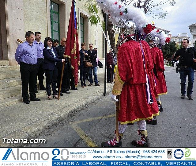 Entrega de la bandera a Los Armaos. Totana 2012 - 20