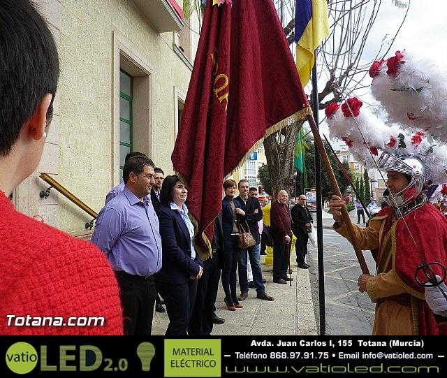 Entrega de la bandera a Los Armaos. Totana 2012 - 21