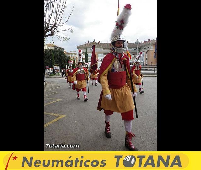 Entrega de la bandera a Los Armaos. Totana 2012 - 30