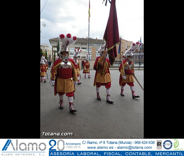 Entrega de la bandera a Los Armaos. Totana 2012 - 31
