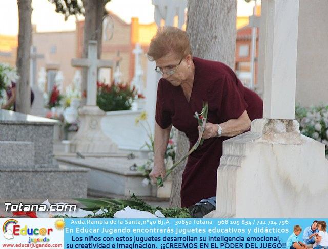 Cementerio. Días previos a Todos los Santos - 21