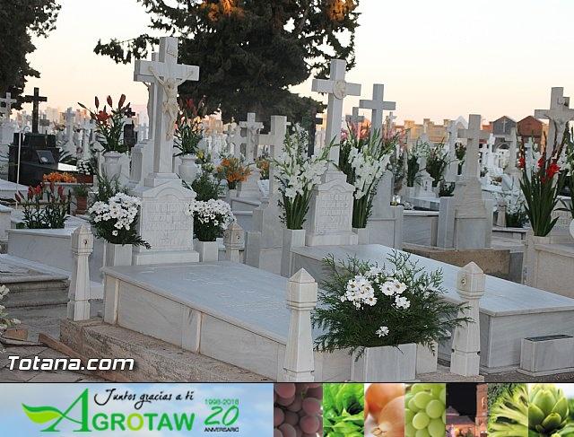 Cementerio. Días previos a Todos los Santos - 28