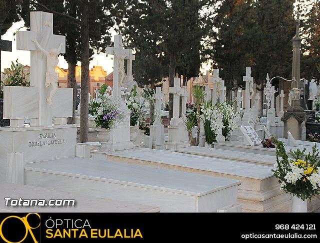 Cementerio. Días previos a Todos los Santos - 32
