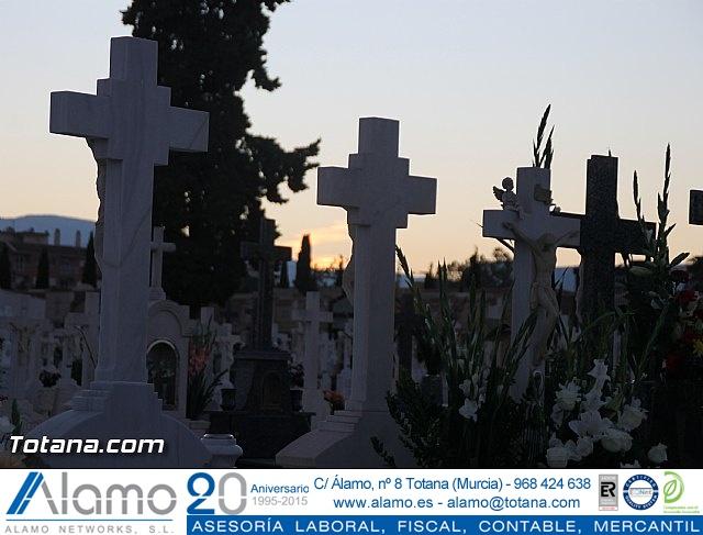 Cementerio. Días previos a Todos los Santos - 177
