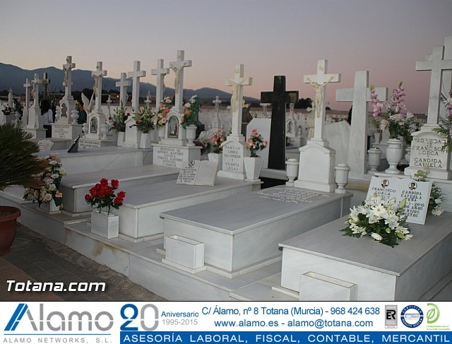 Cementerio. Días previos a Todos los Santos - 178