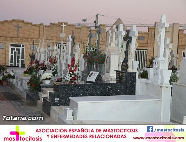 Cementerio. Días previos a Todos los Santos - 180
