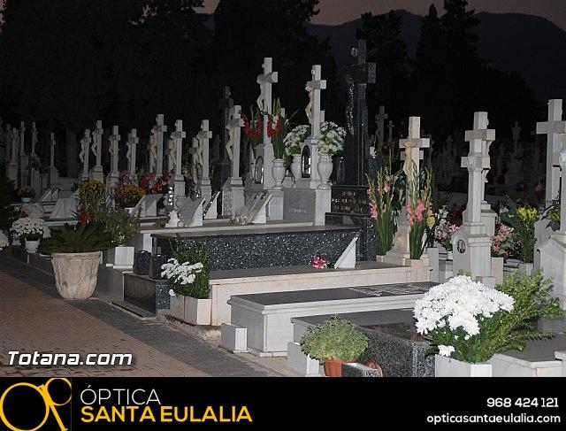 Cementerio. Días previos a Todos los Santos - 198