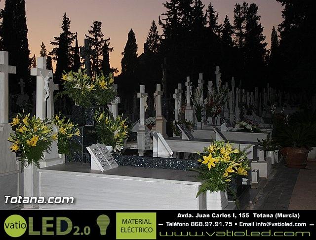 Cementerio. Días previos a Todos los Santos - 199