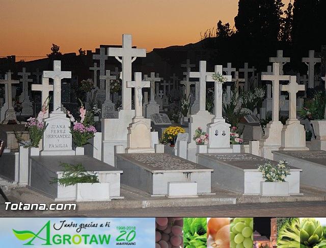 Cementerio. Días previos a Todos los Santos - 200