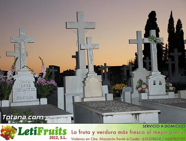 Cementerio. Días previos a Todos los Santos - 201