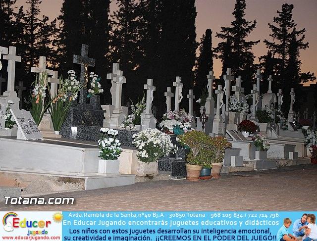 Cementerio. Días previos a Todos los Santos - 202