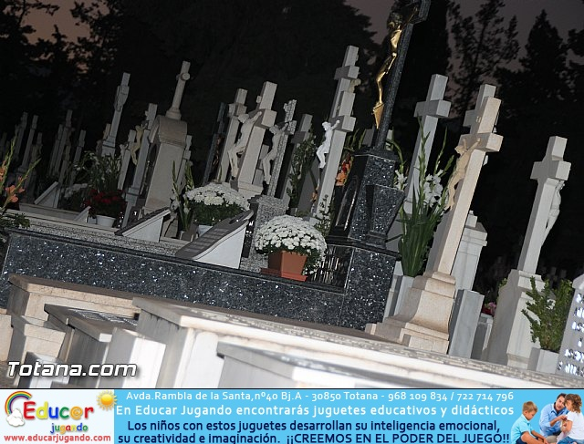 Cementerio. Días previos a Todos los Santos - 203