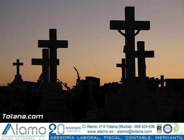 Cementerio. Días previos a Todos los Santos - 204