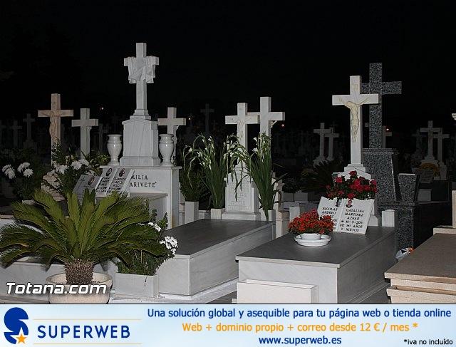 Cementerio. Días previos a Todos los Santos - 206