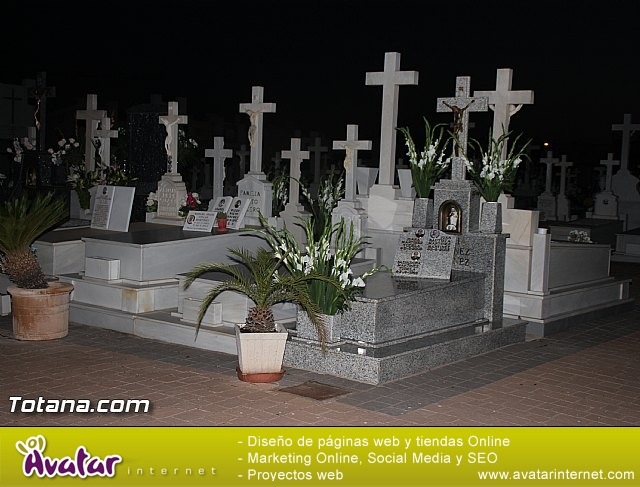 Cementerio. Días previos a Todos los Santos - 209