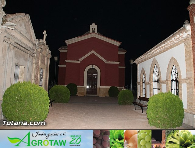 Cementerio. Días previos a Todos los Santos - 211