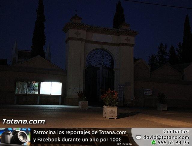 Cementerio. Días previos a Todos los Santos - 215