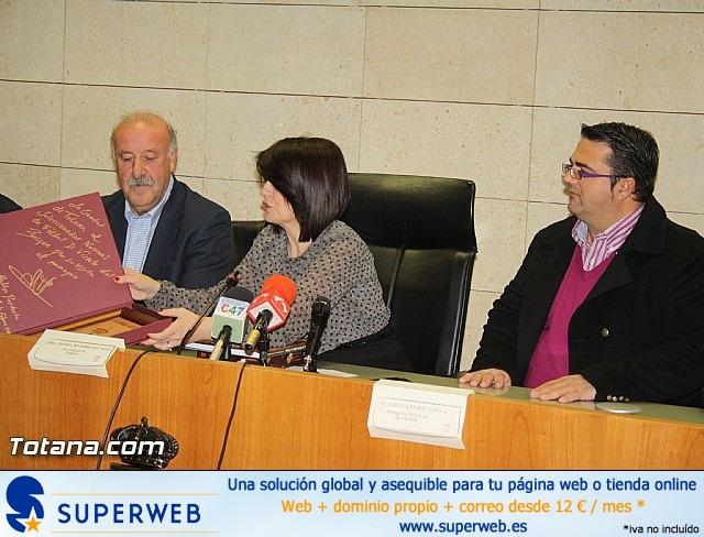 Vicente del Bosque apoya a las Enfermedades Raras en Totana - 9
