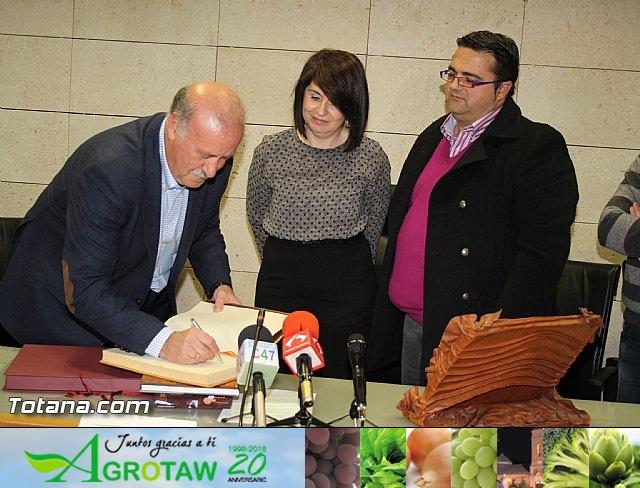 Vicente del Bosque apoya a las Enfermedades Raras en Totana - 13