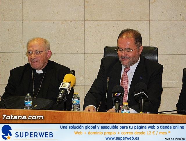 Recepción institucional a Mons. D. Francisco Gil Hellín, Arzobispo Emérito de Burgos  - 3
