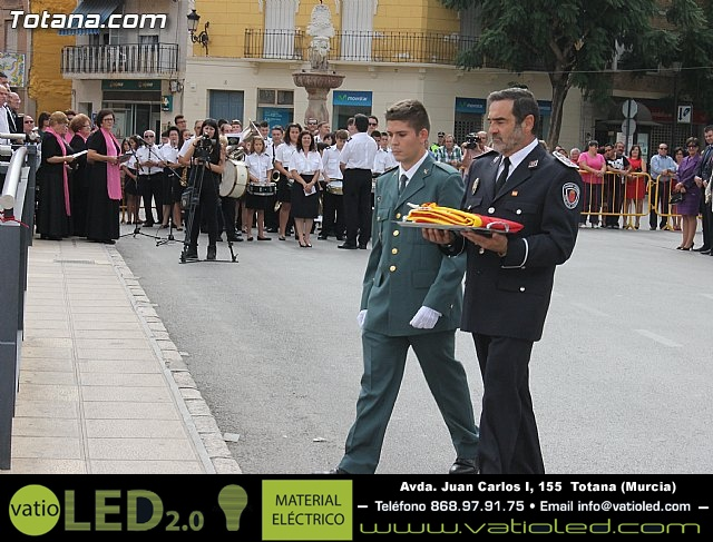 Acto de homenaje a la bandera española 2012 - 37