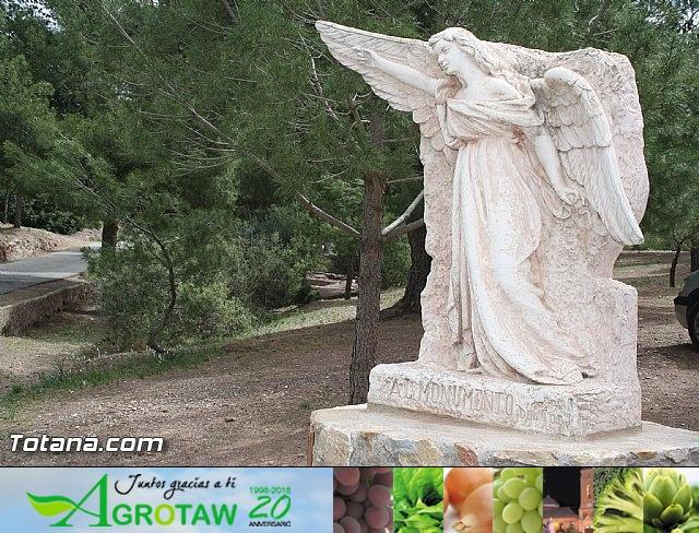 Jornada de convivencia en La Santa. Hermandades y Cofradías. 14/04/2012 - 1