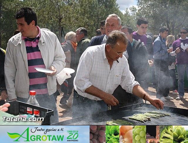 Jornada de convivencia en La Santa. Hermandades y Cofradías. 15/04/2012 - 33