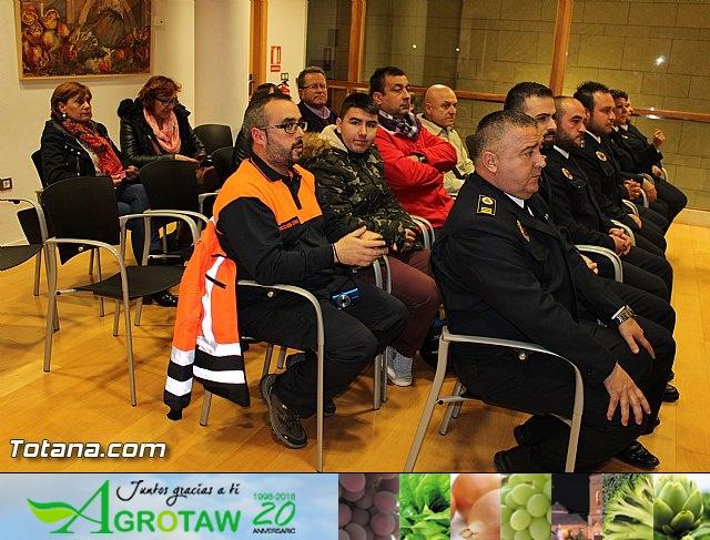 Entrega de condecoraciones a voluntarios de Protección Civil - 7