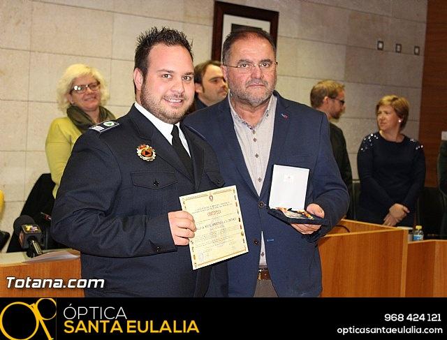 Entrega de condecoraciones a voluntarios de Protección Civil - 33