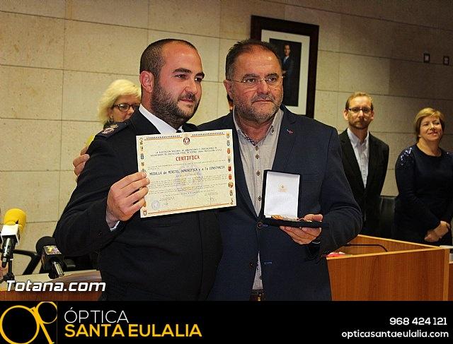 Entrega de condecoraciones a voluntarios de Protección Civil - 35
