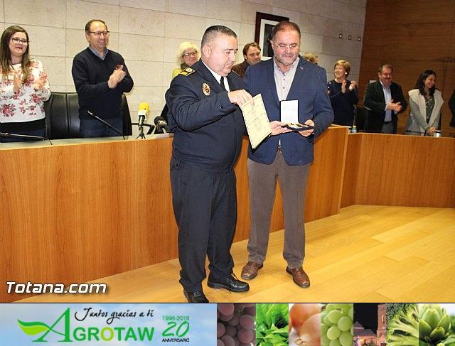 Entrega de condecoraciones a voluntarios de Protección Civil - 40