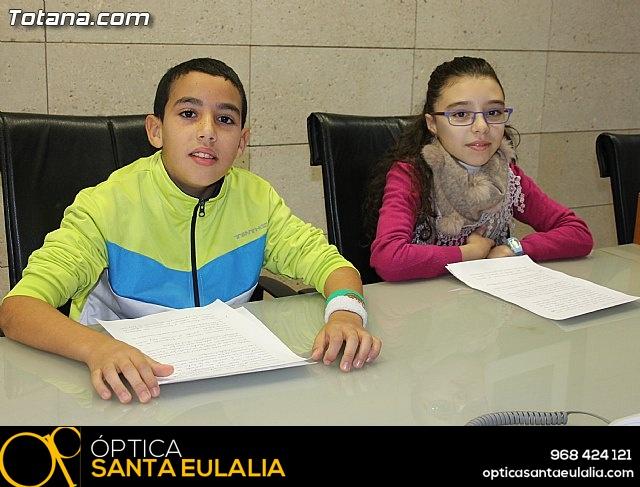 Lectura del manifiesto del Día de los Derechos del Niño 2013 - 10