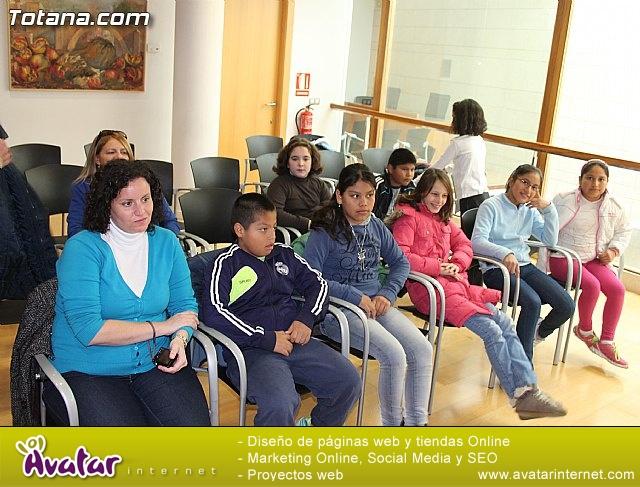 Lectura del manifiesto del Día de los Derechos del Niño 2013 - 17